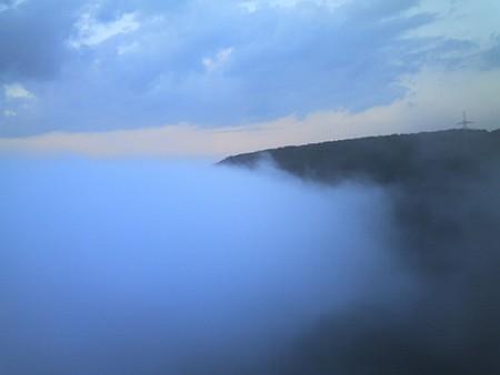 Ausgeregnete Wolke unter der Müngstener Brücke
